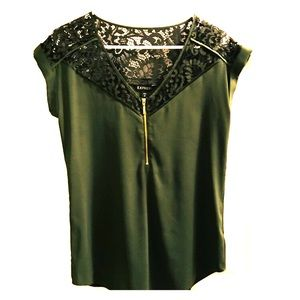 Beautiful green Express blouse w/ lace detail